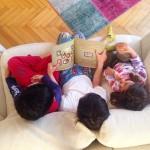 Bazı sabahlar bir uyanıyoruz ki çocukları üçlemişiz. Aslında ne kadar…
