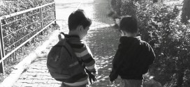 Sinirinizi Bozan Küçük Kardeşinizin Size Faydaları