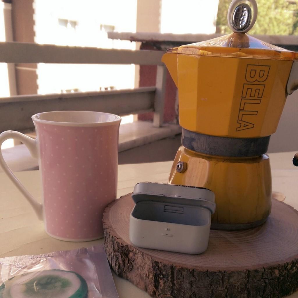 Sabah dopingi: Espresso, vitamin, şiş gözler için maske.