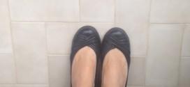 Başka annelerin ayakkabıları